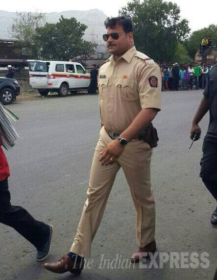 'CID' actor Dayanand Shetty was also on the sets in a police uniform as he strutted with aviators in 'Dabangg' style. (Source: Varinder Chawla)