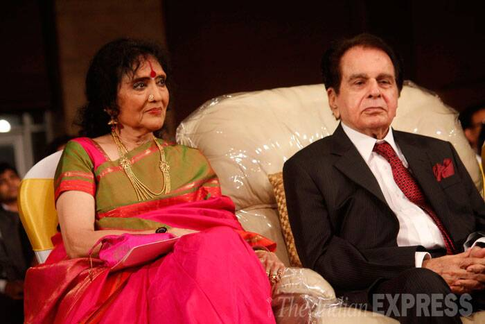 Madhumati couple - Actress Vyjayanthimala, who was seated next to Dilip Kumar, wore a bright pink and green sari for the occasion. (Source: Varinder Chawla)