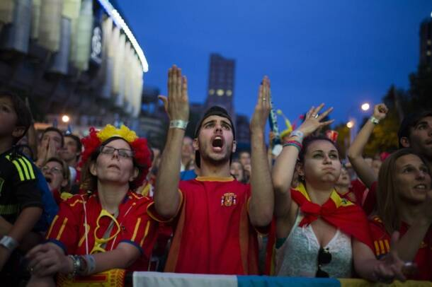 Stunned Spaniards gasp at World Cup exit
