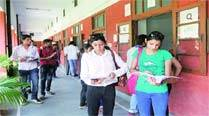 DU admission: Over 1.8 lakh forms sold in three days, helplines ring off the hook