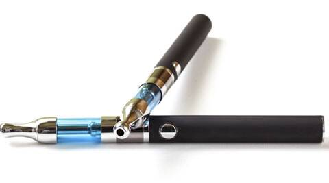 E-cigarettes are commonly advertised on Twitter and the tweets often link to commercial websites promoting e-cigarette use | Source: Thinkstock Images