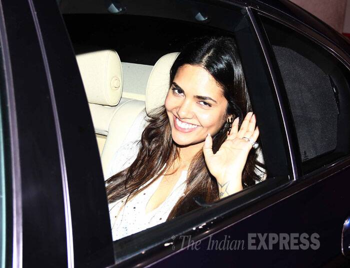 Esha gives us a wave as she drives by. (Source: Varinder Chawla)