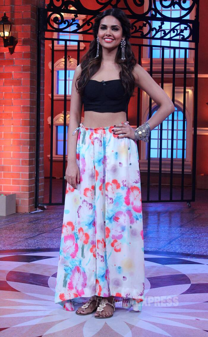 Her co-star Esha Gupta showed off her midriff in a black bustier with a floral maxi skirt. (Source: Varinder Chawla)