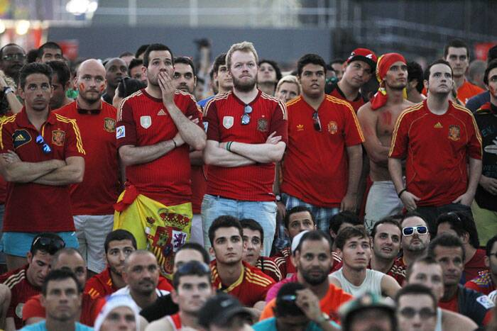 But the Spain fans could do nothing but watch their team humbled by Netherlands, who were surely better on the field and made the most on Spain's sloppy defence. Netherlands top the Group B with three points from this win. (Source: AP)