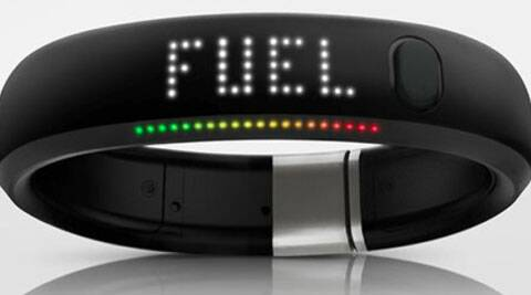 A wristband and a cool wearable gadget, it works for your fitness at various levels.