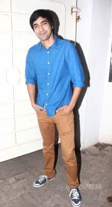 Priyanka Chopra makes time for a social cause, 'Fugly' cast watch their film