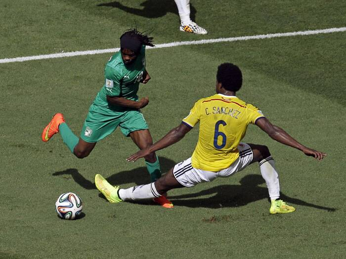 Three minutes after Juan Quintero scored Colombia's second goal, Ivory Coast's Gervinho netted his side's first goal during the 73rd minute. Despite Gervinho's coal, Ivory Coast could not make a comeback in the match and ended up losing to Colombia 1-2.  (Source: AP)