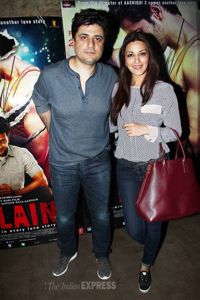Actress Sonali Bendre was all smiles as she arrived with her husband Goldie Behl. (Source: Varinder Chawla)