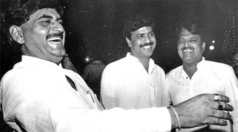 When Pramod Mahajan died in 2006, the responsibility of the two families fell on Gopinath Munde, his brother-in-law.