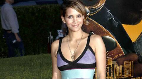 Halle Berry has been ordered by a court to pay USD 16,000 a month to her ex-boyfriend Gabriel Aubry. (Source: AP)