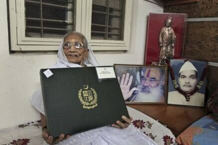 Today in pics: Narendra Modi's mother receives gift from Pak PM Nawaz Sharif