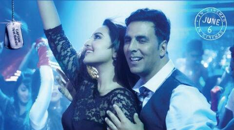 Akshay Kumar and Sonakshi Sinha in 'Holiday: A  Soldier Is Never Off Duty'.