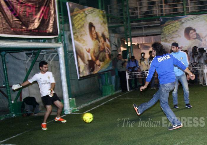 Imtiaz is set for a goal. Can Armaan's team save it? (Source: Varinder Chawla)