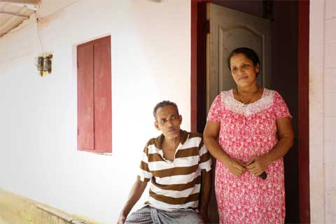 Parents N Chacko and Alice say Sini should stay back if the situation gets better.