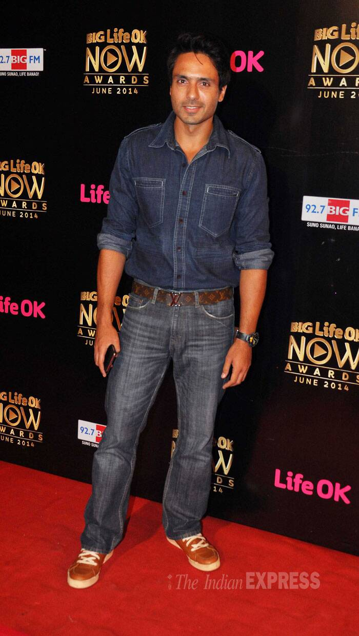 Television actor Iqbal Khan, who is currently working in 'Tumhari Pakhi',  sported an all-denim look. (Source: Varinder Chawla)