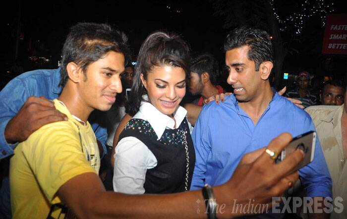 The actress also obliged some young boys with pictures. (Source: Varinder Chawla)