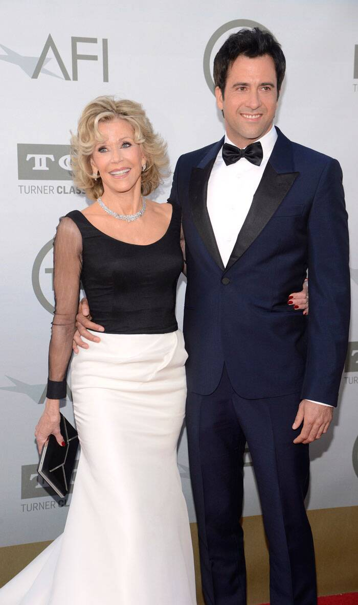 The 'Monster-In-Law' actress was joined by her son Troy Garity on the carpet. (Source: Reuters)