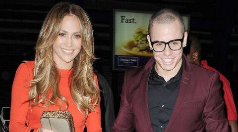 Jennifer Lopez has reportedly told Casper Smart to keep all the gifts she bought him. (Source: Reuters)