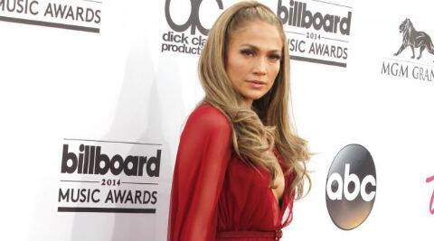 Jennifer Lopez will perform a free concert just blocks from where she grew up for her State Farm Neighborhood Sessions concert. (Source: Reuters)