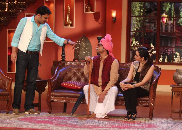 Kapil has a conversation with dada, who also plays his servant in the show.  (Source: Varinder Chawla)