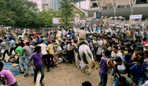 Chaos reigns at Eden Gardens during KKR felicitation ceremony