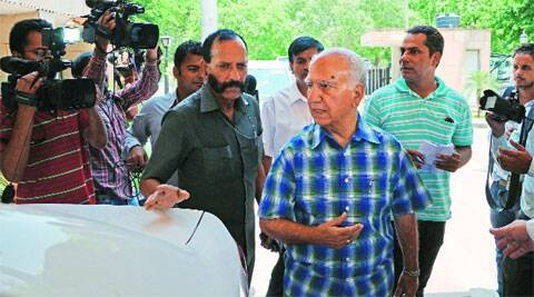 Shanta Kumar, in charge of BJP affairs in Punjab,after a meeting with state leaders in Chandigarh Wednesday. (source: IE photo by Kshitij Mohan)