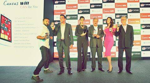 Nikhil Chinapa, Dr. Avneesh Agarwal President Qualcomm India & South Asia, Diana Penty, Sanjay Kapoor, Chairman, Micromax, Archana Vijaya and Chairman Microsoft Bhaskar Pramanik at the launch of Micromax Win series phones in New Delhi.