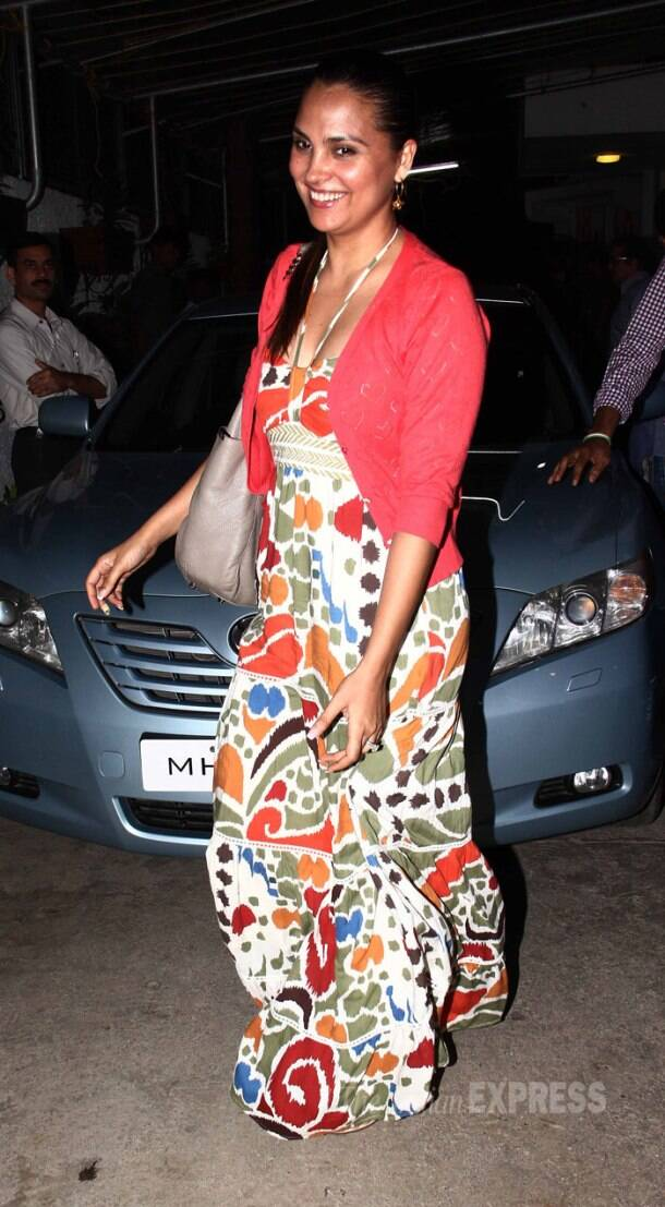 'Ek Villain' screening: Mom-to-be Genelia D'Souza shows off baby bump