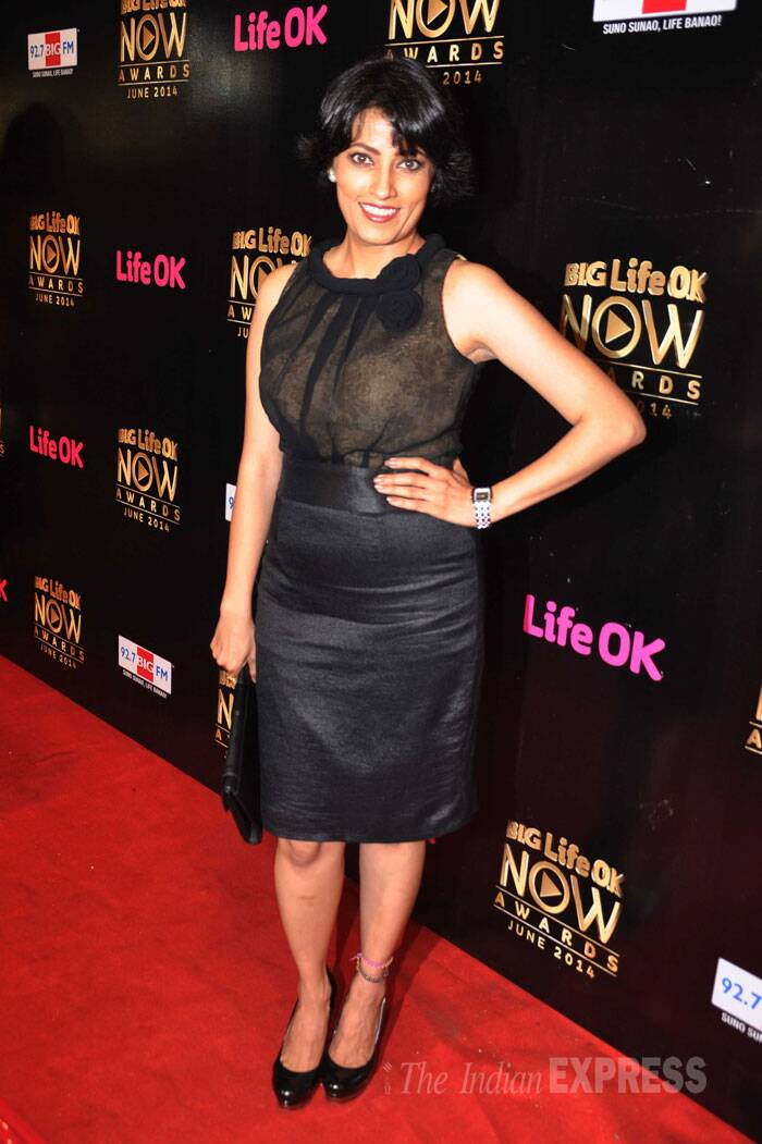 Na Aana Is Des Laado's amma ji aka Meghna Malik picked a black dress with matching pumps. (Source: Varinder Chawla)