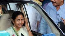 Mamata hints alliance,  CPM says apologise first