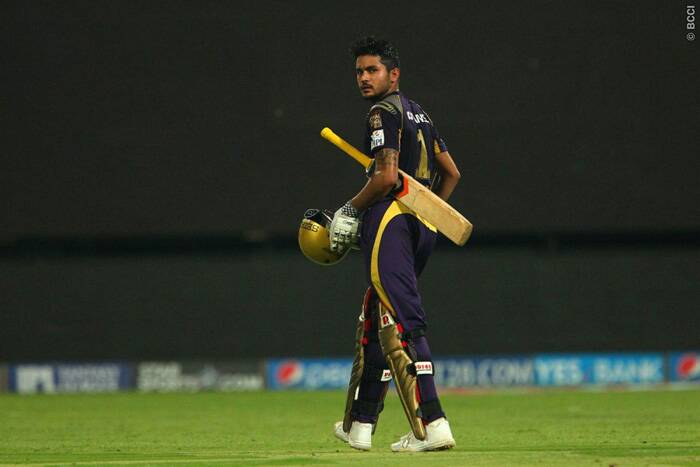 After two quick wickets, there was another twist in the tale for KKR but Manish Pandey made sure that the required rate does not cross ten runs per over. Pandey smashed leg-spinner Karanveer Singh for two sixes in single over but Singh also dismissed Ryan ten Doeschate and Pandey in the same over to give KXIP more-than-an-outside chance of winning. (Source: BCCI/IPL)