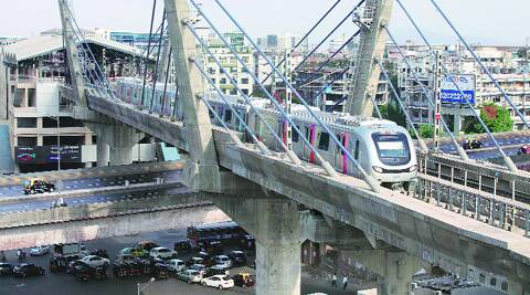 Uttar Pradesh government will soon sign an agreement with Delhi Metro Rail Corporation for a metro rail project in Noida.