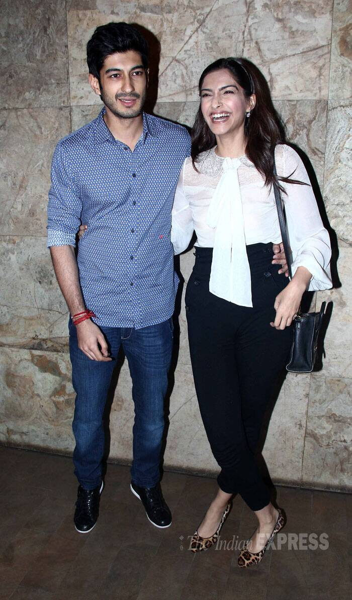 Newcomer Mohit Marwah had a special audience for his debut film, 'Fugly'. The actor's cousins Sonam Kapoor, Jhanvi Kapoor and aunt Sridevi arrived to watch his release. <br /><br /> Sonam Kapoor was her usual bubbly self as she posed for pictures with Mohit Marwah. (Source: Varinder Chawla)