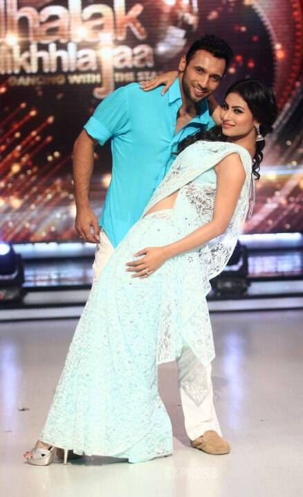 Madhuri, Karan, Remo glam up for 'Jhalak Dikhhla Jaa 7'