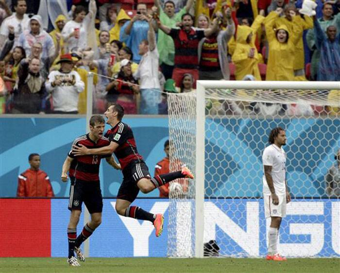 Mueller's goal came after a corner by Mesut Ozil. U.S. goalkeeper Tim Howard did well to punch out a header by Per Mertesacker but the ball fell kindly to Mueller, who pounced on the rebound and rifled a shot inside the far post from the edge of the penalty area. Germany's goal came after a corner by Mesut Ozil. U.S. goalkeeper Tim Howard did well to punch out a header by Per Mertesacker but the ball fell kindly to Mueller, who pounced on the rebound and rifled a shot inside the far post from the edge of the penalty area. (Source: AP)