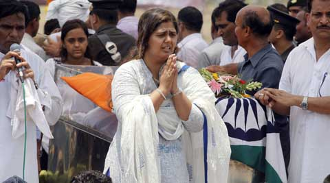 Pankaja Munde during the funeral of her father Gopinath Munde. (Source: PTI)
