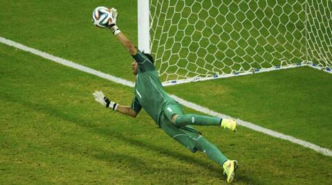 Navas saves Greece's Theofanis Gekas' penalty shot (Source: Reuters)