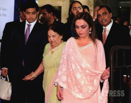 Mukesh Ambani, wife Nita, sons Anant and Akash attend RIL AGM meet