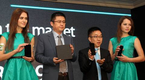 Tom Lu-CEO and Steven Shi Feng-General Manager- OPPO Mobiles India  launch Find 7.