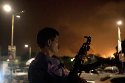 Gunmen storm Pakistan airport, 26 dead