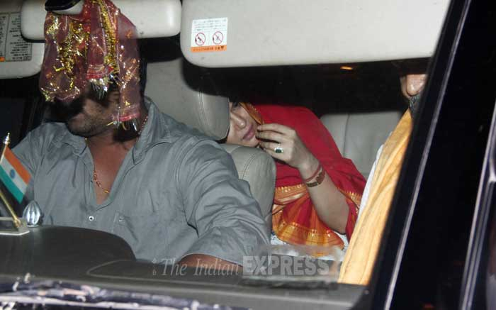Preity Zinta hides from cameras, we wonder why?