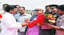 Aziz Qureshi takes charge as Governor, Joshi demits office