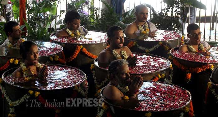 Priests from Sri Sankara Mattham, Matunga pray to rain god Varuna. (Source: Express photo by Pradeep Kocharekar)