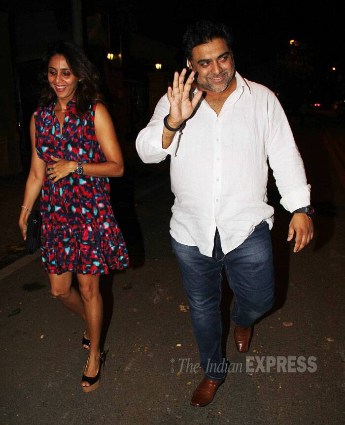 Ram Kapoor was seen with petite wife and TV actor Gautami Kapoor. <br /> Gautami was pretty in a floral short dress.  (Source: Varinder Chawla)