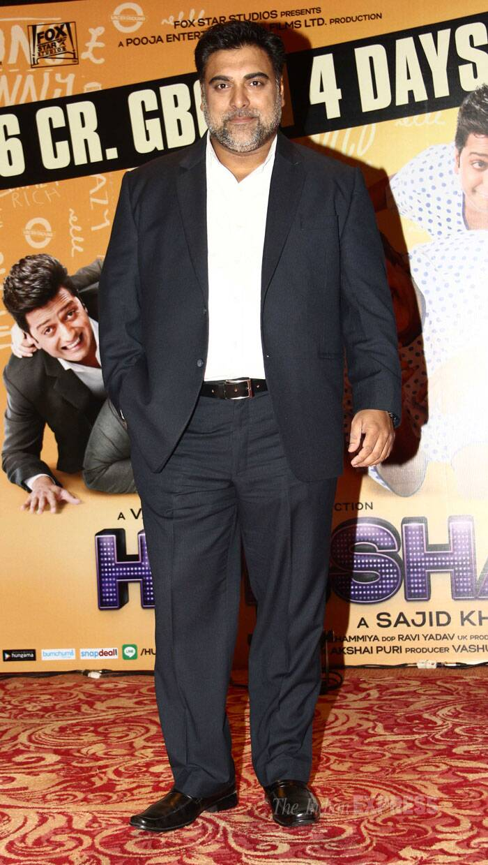 Ram Kapoor poses for pictures looking smart in a suit. (Source: Varinder Chawla)