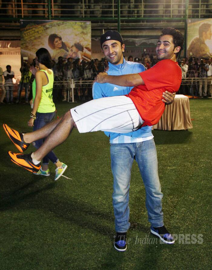 Bhai Prem - Ranbir takes Armaan in his lap to celebrate his cousin's victory. (Source: Varinder Chawla)