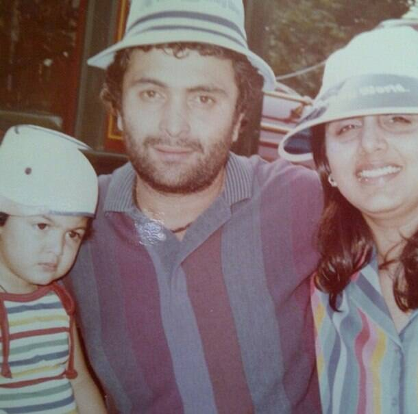 ranbir kapoor, ranbir kapoor childhood pic, ranbir kapoor family pic, ranbir kapoor family photos, ranbir kapoor neetu photo, rishi kapoor