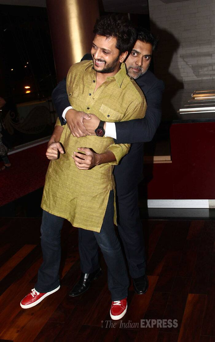 Ram Kapoor has some fun with Riteish. (Source: Varinder Chawla)