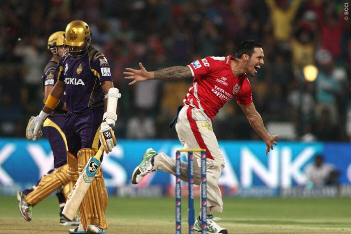 Chasing a mammoth 200 to win, KKR got off to a disastrous start as Mitchell Johnson had Robin Uthappa caught at point by Akshar Patel in the very first over. Uthappa had eight consecutive scores of 40-plus in IPL but failed to repeat his earlier innings and was out after scoring just five runs of three balls. (Source: BCCI/IPL)