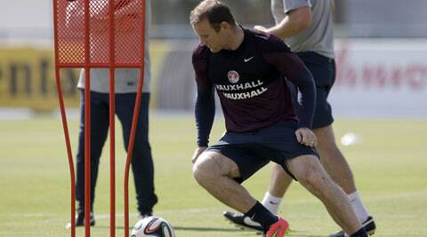 Rooney trained  with the other nine of England on Monday. (Source: AP)